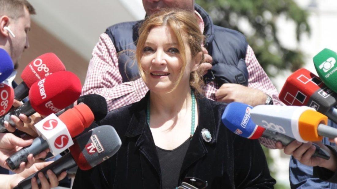 Gara per kreun e PD Edith Harxhi zyrtarizon kandidaturen 1100x620 1 1100x620