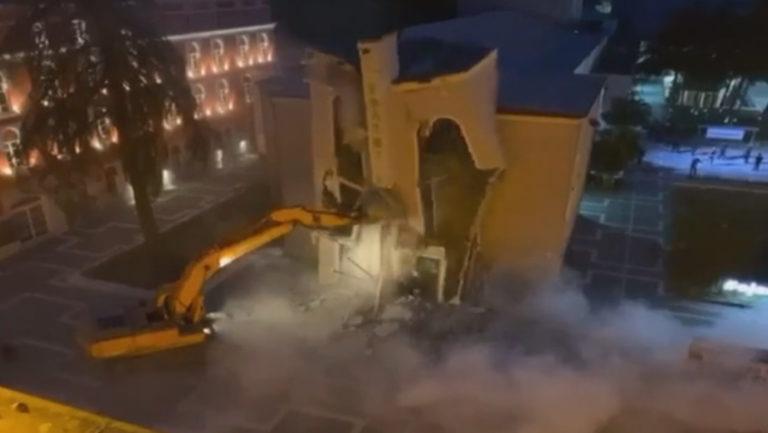 Shembet shembja godina e Teatrit Kombetar Protesta Reagimet nderkombetare Tirane 1100x620 1 768x433 1