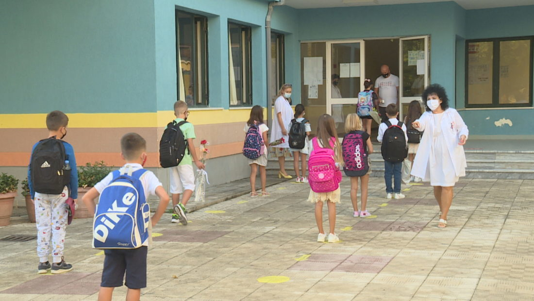 SHKOLLA NIS NORMALISHT koronavirusi pandemia rregullat ne shkolla 1100x620 1 1100x620